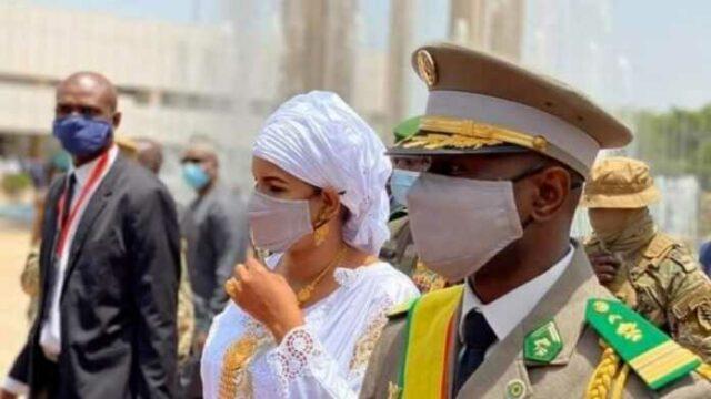 Epouse du colonel Assimi Goïta, Lala Diallo enflamme la toile et ravit la vedette à son mari